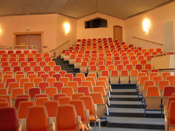 Edu_auditorium_kontor_interior_martela